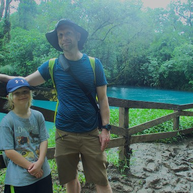 Robin and Kieran in front of the Rio Celeste at Tenorio National Park