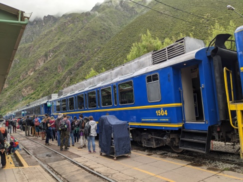 Train from Ollantaytambo to Agra's Calientes